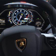 """| Who Wants To Drive Along | #Lamborghini #Aventador #Supercar #Beautiful #Amazing Via • @Rosso_Mars"""