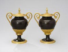 VASEN EMPIRE PAAR - CASSOLETTES FRANKREICH UM 1820 Urnenvasen Bronze