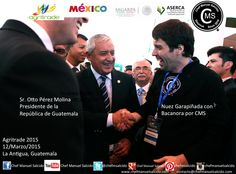 """con Otto Pérez Molina (Presidente de la República de Guatemala) mostrandole nuestra """"nuez garapiñada con bacanora por cms"""" que fue muy de su agrado!!! buena vibra!!! #chefcms #presidente #Guatemala #nuez #garapiñada #bacanora #cultura #denominacióndeorigen #México #sagarpa #aserca #agritrade #agritrade2015 #LaAntigua"""