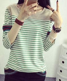 Stylish Scoop Neck Long Sleeve Loose Striped T-Shirt