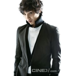 Lee Joon - Cine21 Magazine No.924