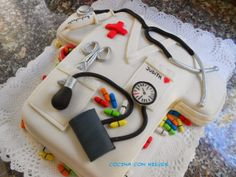 Nursing Graduation Cakes, Graduation Diy, Vet Cake, Doctor Cake, Cake For Husband, Chocolate Cheesecake, Cute Cakes, Themed Cakes, Amazing Cakes