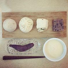 「 morning Sunday:-D)#morning ##brunch #baozi #foodstagram #yummy #soymilk 」
