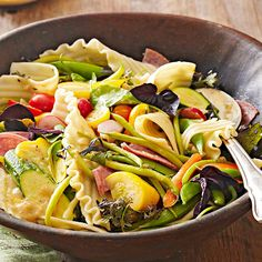 Market Stand Pasta Salad with Garlic and Shallot Dressing Let a trip to the farmer's market inspire your next meal. This tasty pasta salad is dressed with a sweet and tart lemon vinaigrette. Make it your own with your favorite summertime veggies. Fresh Salad Recipes, Kale Recipes, Pasta Salad Recipes, Cooking Recipes, Healthy Recipes, Bhg Recipes, Healthy Salads, Lemon Pasta, Fresh Pasta