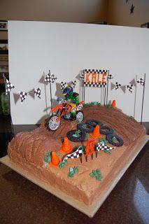 Motocross Cake Motorcross Cake, Bolo Motocross, Bmx Cake, Motorcycle Cake, Motorcycle Birthday Cakes, Dirt Bike Birthday, Motocross Birthday Party, Dirt Bike Cakes, Dirt Bike Party