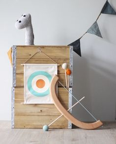Bow And Arrow Set, Eco Kids, Tinker Toys, Wood Arrow, Table Tents, Handmade Wooden Toys, Wooden Bow, Retro Toys, Home