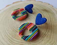 Colorful jewelry made of wood, polymer clay and resin by ColoreriaStudio Cute Polymer Clay, Cute Clay, Polymer Clay Projects, Polymer Clay Charms, Polymer Clay Jewelry, Clay Crafts, Fimo Clay, Clay Beads, Diy Clay Earrings