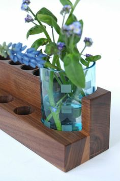 Kosmetikständer mit Blumenvase von blumen-wiese auf DaWanda.com