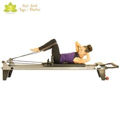 Reverse Abdominals, a Pilates Reformer exercise, is demonstrated by highly trained instructors at the Feel Good Yoga & Pilates in Victoria, BC. Pilates Workout, Pilates Body, Pilates Training, Pilates Reformer Exercises, Barre Workouts, Pilates Studio, Videos Yoga, Pilates Machine, Pilates Chair