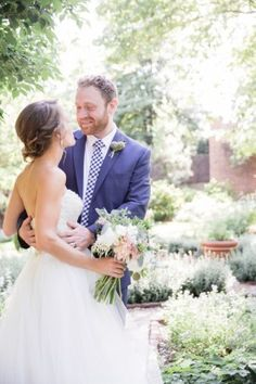 first-look-photos-washington-dc-wedding-Bonnie-Sen