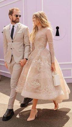 Elegant Dresses, Pretty Dresses, Beautiful Dresses, Casual Dresses, Jw Moda, Wedding Dresses For Girls, Best Wedding Guest Dresses, Short Girl Wedding Dress, Wedding Guest Outfit Formal