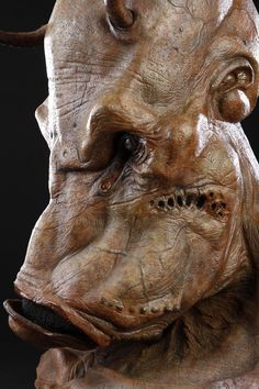 MEN IN BLACK II (2002) - Brown Alien Mask - Price Estimate: $1000 - $1500