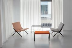 Minimalism and the De Stijl architectural movement inspired Loehr& new furniture collection, which was launched at a house designed by Oscar Niemeyer. Fine Furniture, Furniture Design, Furniture Making, Interior Styling, Interior Design, Oscar Niemeyer, Furniture Collection, Chair Design, Interior Architecture