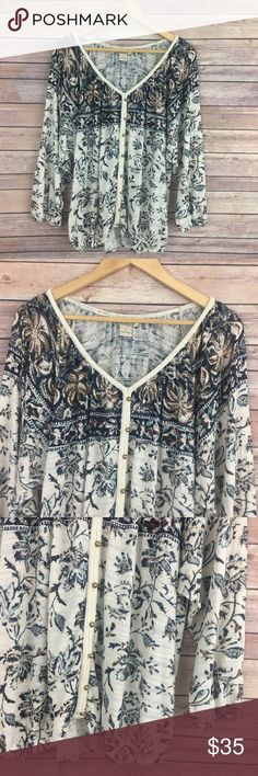 Lucky Brand Button Front Printed Top Lucky Brand top, v-neck, button front, wide sleeve, cinched hem and sleeve opening. Size L. In very good pre-loved condition, no flaws. Lucky Brand Tops Button Down Shirts