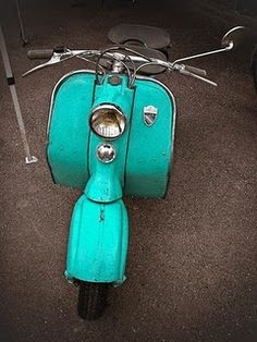 Ive wanted a moped forever & I love turquoise. Shades Of Turquoise, Turquoise Color, Turquoise Jewelry, Teal Blue, Shades Of Blue, Vintage Turquoise, Silver Jewelry, Coral, Azul Tiffany
