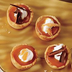 Tiny Caramel Tarts Just before serving, top with finely chopped chocolate, toffee, or Buttered Pecans. NEED: Cream Cheese Pastry Shells Mini Desserts, Holiday Desserts, Delicious Desserts, Holiday Meals, Desserts Caramel, Baking Desserts, Pie Dessert, Dessert Recipes, Dessert Buffet