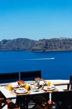 Apanema Cavehouse - Villas for Rent in Oia, Santorini, Kyklades, Greece