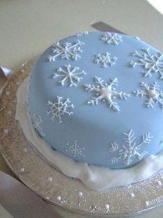 Christmas cake - snowflake piping,,,,,@Haley Deacon