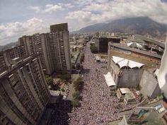 LA MARCHA DE LA RESISTENCIA EN CARACAS ESTE #22F pic.twitter.com/WMzxReAnRW