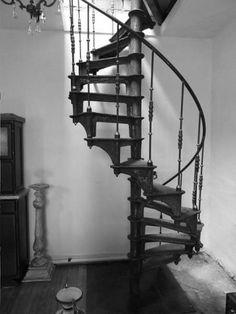 Escalier colimacon en fonte style industriel