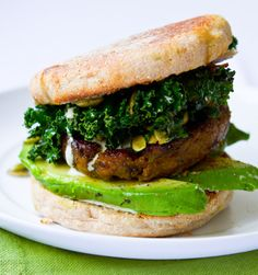 Vegan Shamrock Breakfast Sandwich: spiced vegan sausage patty, kale sauté with pumpkin seeds and shallots, vegan jalapeño mayo, and avocado on an english muffin. Kale Recipes, Whole Food Recipes, Vegetarian Recipes, Healthy Recipes, Vegan Vegetarian, Low Carb Vegan Breakfast, Vegan Breakfast Recipes, Avocado Breakfast, Breakfast Ideas
