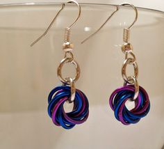 Dark blue and purple mobius chainmaille earrings.