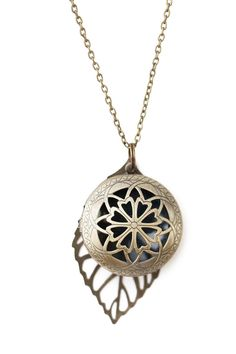 This gorgeous necklace with large leaf charm is perfect for keeping your oils…