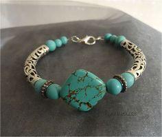Armband in turkooise kleuren €6.50 https://www.facebook.com/groups/handmadesieraden/