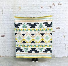 Weekend Warrior Quilt Pattern | We love this stunning hst quilt pattern!