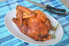 Pui pe sare la cuptor - rețeta simplă de pui fript. Friptură simplă de pui pe pat de sare, la cuptor. Cum se face puiul pe sare? Chipotle, Good Food, Turkey, Meat, Dinner, Fine Dining, Dining, Turkey Country, Food Dinners