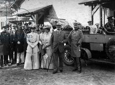 Kaiser Wilhelm II, Edward VII, Maria of Russia, and Alice of Battenberg, Sallburg, Germany, 1908 (b/w photo)