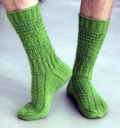 Ravelry: Isukille pattern by Sari Suvanto Knitting Stitches, Knitting Designs, Knitting Socks, Knitting Patterns, Winter Socks, Crochet Socks, Stocking Tights, Mittens, Ravelry