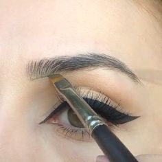 10 Essential Tips to Get Perfect Eyebrows