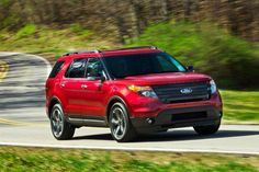 The 2013 Explorer Sport will be the only Explorer offered with Ford's twin-turbocharged, EcoBoost Ford says the engine will make at least 350 horsepower in Explorer Sport trim. Read more about the 2013 Ford Explorer Sport from Motor Trend. 2014 Ford Explorer Sport, 2012 Ford Explorer, Ford Explorer For Sale, Ford Suv Models, Cheap Sports Cars, New Cars For Sale, Ford News, Black Wheels, Sports Pictures