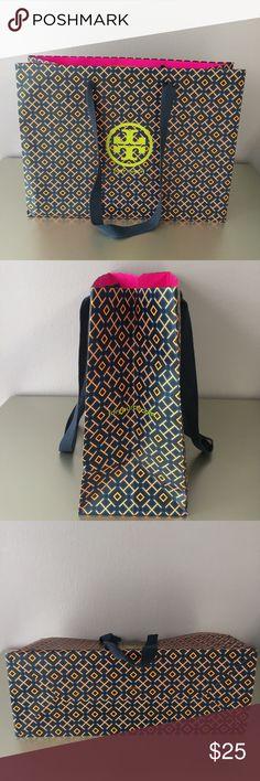 Tory Burch Shopping Bag LARGE Tory Burch Shopping Bag Tory Burch Bags