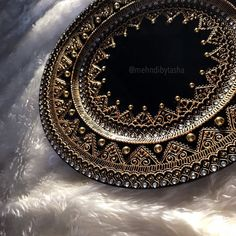 Black and gold moroccan style wedding decor mehndi thaal charger plate Moroccan Henna, Moroccan Decor, Moroccan Style, Mehndi Patterns, Mehndi Designs, Candle Tray, Glass Candle, Candle Holders, Thali Decoration Ideas