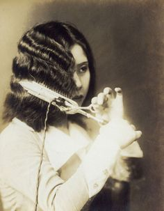 While Hiram Maxim (inventor of the machine gun) is known to have obtained the first patent for a curling iron in 1866, it is Marcel Grateau who is credited for actually inventing the curling iron in 1890 ~