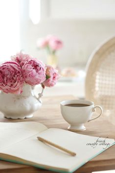 Coffee Time, Tea Time, Coffee Coffee, Coffee Break, Morning Coffee, Tea And Books, French Country Cottage, Rose Cottage, Shabby Cottage