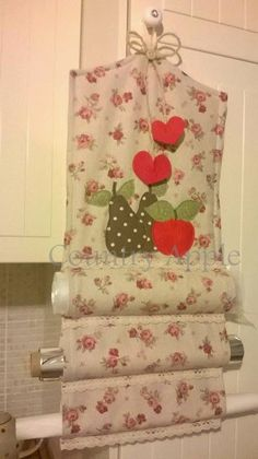 Country Apple Fabric Crafts, Sewing Crafts, Sewing Projects, Bag Patterns To Sew, Sewing Patterns, Handmade Crafts, Diy And Crafts, Kitchen Linens, Creative Crafts