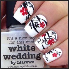 Floral nails | ig@centralparkkitty