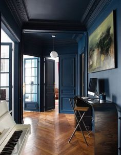 An inspiring round up of inspirations in blue paint, design and decor ideas in the blue interior trend and Pantone 2020 color of the year Classic Blue Interior Design Minimalist, Modern House Design, Home Interior Design, Interior Architecture, Interior And Exterior, Interior Decorating, Luxury Interior, Interior Walls, Sketch Architecture