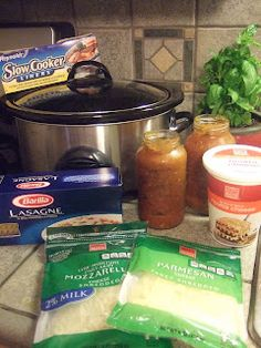 Crock Pot Lasagna, this might just be what's for dinner tonight