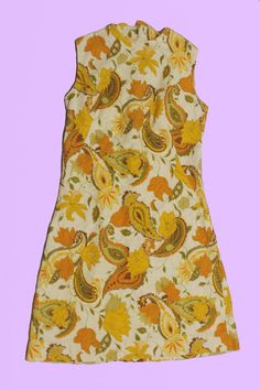 Tbh, I dont know whether this dress was made in the 60s or 70s bc I was born in 92. So unless were talking about skorts or un-ironic visors, I should probably just stay in my lane 🙃  It is cute af though ! And its in great condition, save for a tiny golden coloured speck that blends in with the dress. Flat Measurements: Armpit to Armpit: 17 Length: 35 Waist: 15 Follow me on insta https://www.instagram.com/shopstrangefruit/ to be the first to hear about sales and item drop...