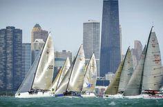 Die Flotte der 20 Farr 40 vor Chicago. © Rolex / Kurt Arrigo