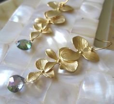 Orchidee  Orchid Earrings by amitiedesigns on Etsy, $39.50