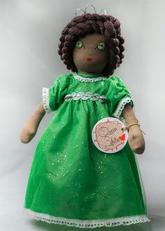 Queen Lakita Handmade Collection Cloth Dolls by by Manolitas ♡ Art Dolls, Doll Clothes, Queen, Christmas Ornaments, Trending Outfits, Holiday Decor, Handmade Gifts, Collection, Etsy