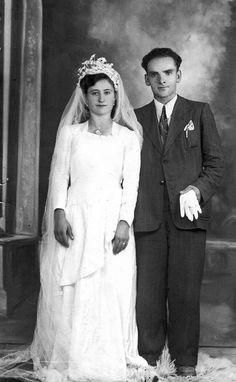 Wedding in old times @@@@.....http://www.pinterest.com/linnerp/vintage-weddings/