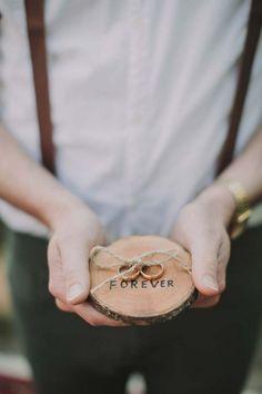 Hippie Wedding Green Hippie Wedding Fotografie: Hannah L Wedding Tips, Our Wedding, Destination Wedding, Wedding Planning, Wedding Prep, Event Planning, Fall Wedding, Wedding Reception Food, Wedding Venues