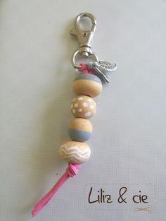 porte clé posca_perles_bois