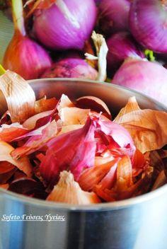 κόκκινα αυγά 2 Greek Easter, Cabbage, Vegetables, Easter Ideas, Food, Posts, Flower, Messages, Vegetable Recipes
